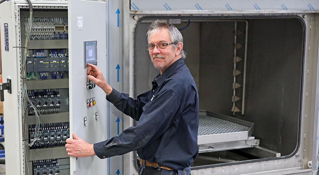 Ronny Pettersson har jobbat på Viverk i 40 år idag!