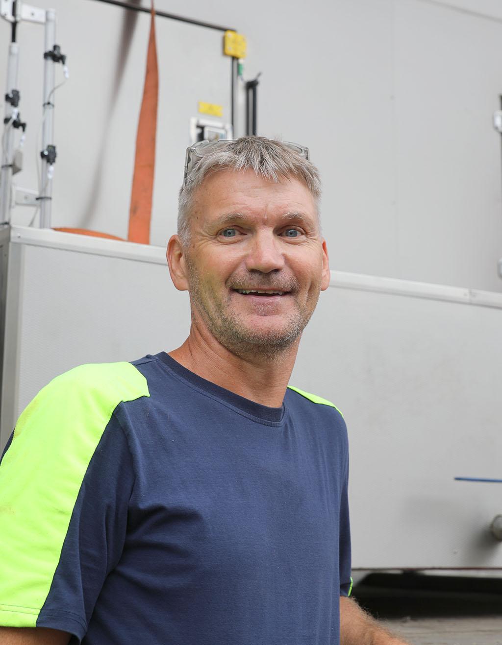 – Det känns lite som ens egen skapelse när man varit med och byggt allt från första plåt till färdig maskin, säger Tony Karlsson som även ser fram emot att få sätta igång med att bygga nästa maskin nu när platsen blir ledig.